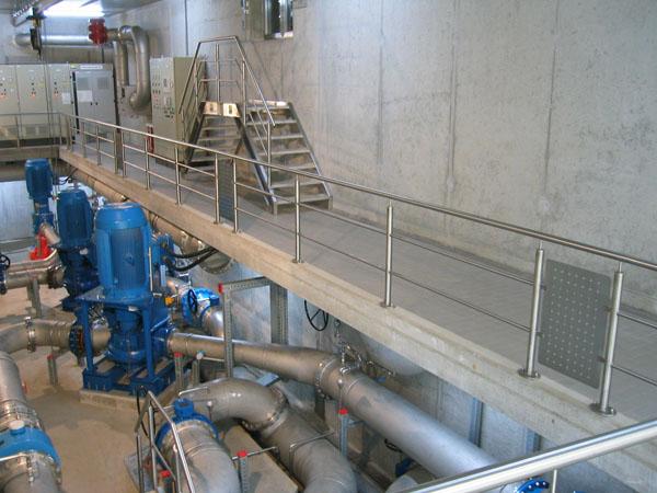 Komplette Edelstahlarbeiten in einem Wasserwerk